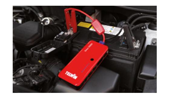 Drive 13000 könnyen csatlakoztatható az akkumulátorra