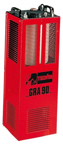 A zártrendszerű GRA 90 vízhűtő egység feltöltéséhez hűtőfolyadékot használjunk, ne csapvizet, ugyanis a vezetékes víz összetevői károsíthatják a hegesztőgépet.